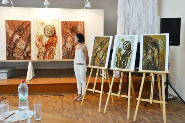 Ивановское художественное училище имени М И Малютина  К защите было представлено 11 дипломных работ выполненных в различных техниках художественной росписи ткани и художественной керамики